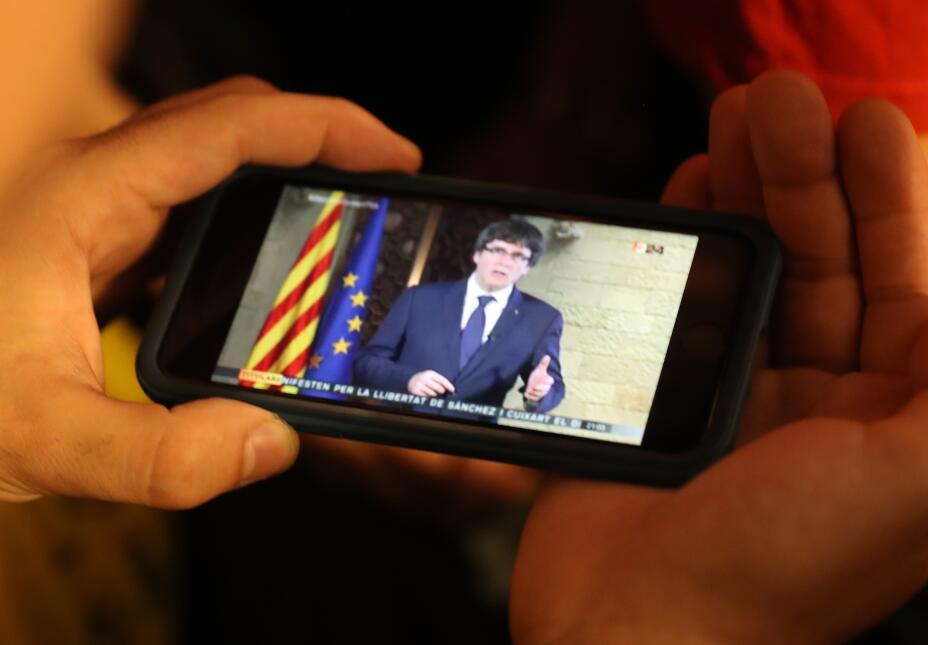 En su esperado discurso, Puigdemont no declaró la independencia ni llamó...