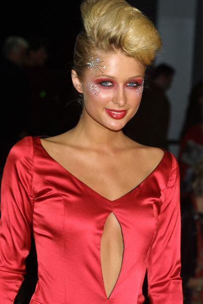 Hilton empezó a modelar cuando era pequeña en eventos de caridad.