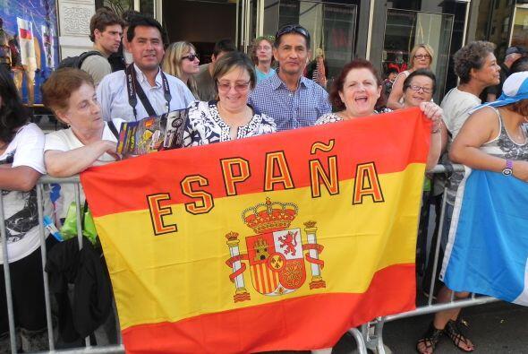 Llenos de orgullo por la 5ta avenida f520758dbea54e11bb2fbd86ee0e2d37.jpg