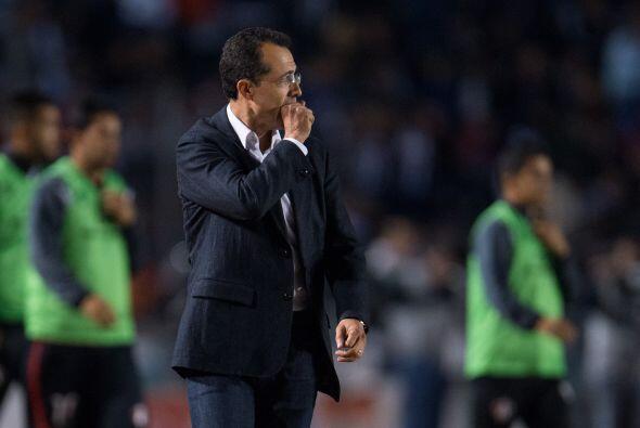 El estratega Rayado, Carlos Barra, lamentó la falla del chileno Humberto...