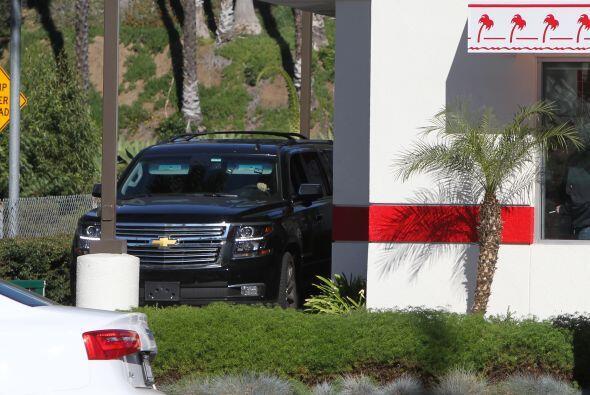 Angelina paró en un conocido local de hamburguesas.