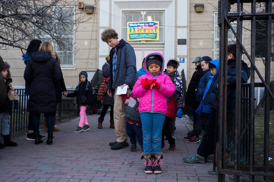 Nueva York, Nueva York. Los estudiantes de una primaria salieron a prote...