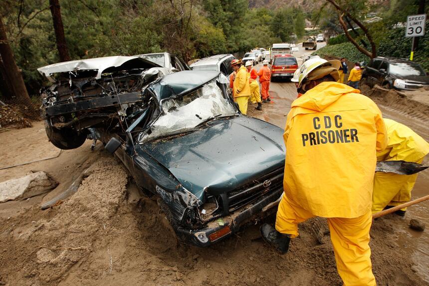 Dos tormentas de enero y febrero de 2010 generaron ríos de lodo que aneg...