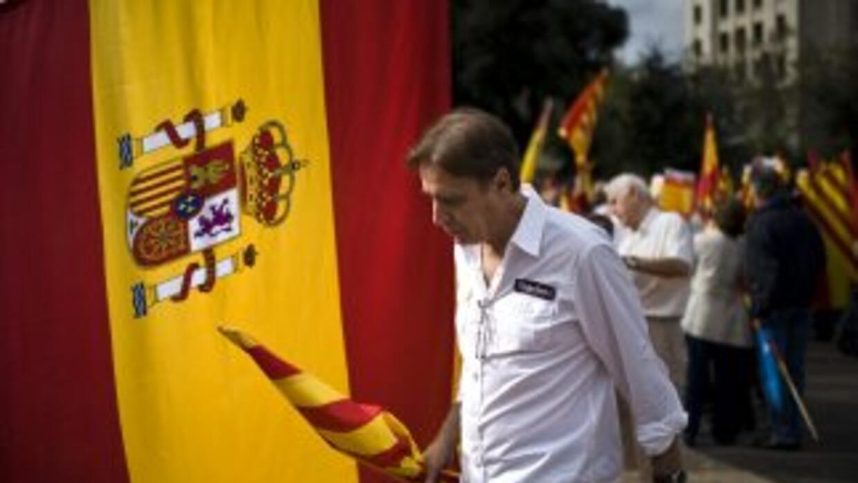 La crisis economica en España deja sin empleo a seis millones 202 mil 70...