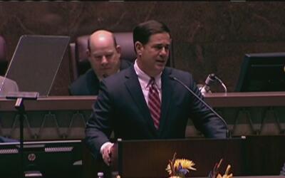 El gobernador de Arizona declara una emergencia ante la epidemia por sob...