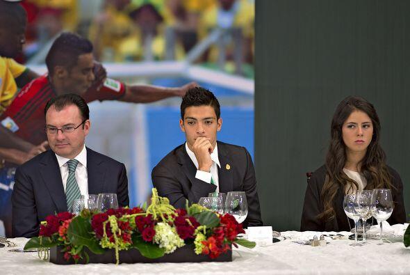 El delantero del América,Raúl Jiménez, parece estar pensando en su posib...