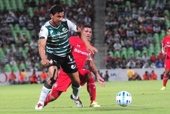 Oswaldo Alanís, el defensor del Santos es de los que más ha destacado en...