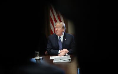 El presidente Trump durante la reunión con miembros de su gabinet...
