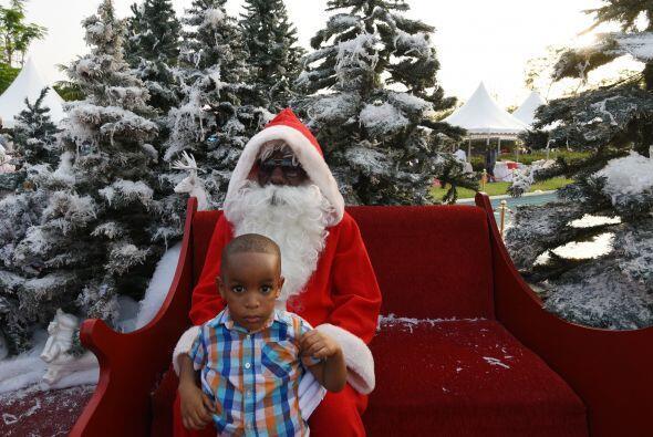 La Fundación Niños de África contactó a Santa para que pudiera estar con...