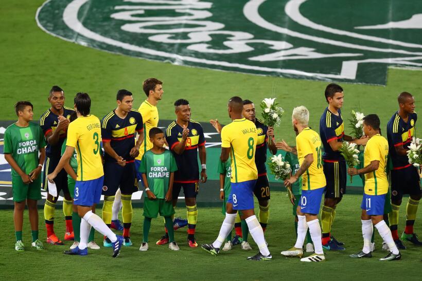 Jugadores del Atlético Nacional son recibidos como héroes en Chapecó Get...
