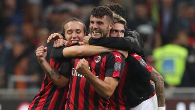 En fotos: El agónico triunfo del Milan sobre Roma abrió la tercera jornada de la Serie A