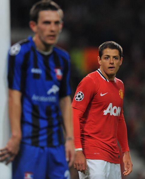 El 'Chicharito' Hernández ingresó a los 11 minutos por el lesionado Owen.