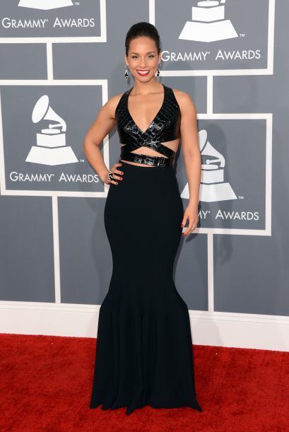 Con esa cara de muñeca, Alicia Keys no necesita enseñar mucho. Sin embar...