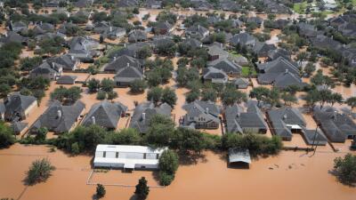 La localidad de Sugar Land en el sureste de Texas, quedó prácticamente b...
