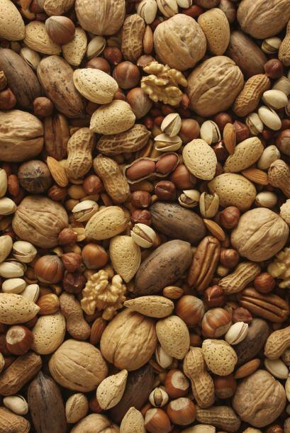 Frutos secos. Un mix de almendras, nueces, castañas de cajú, avellanas y...