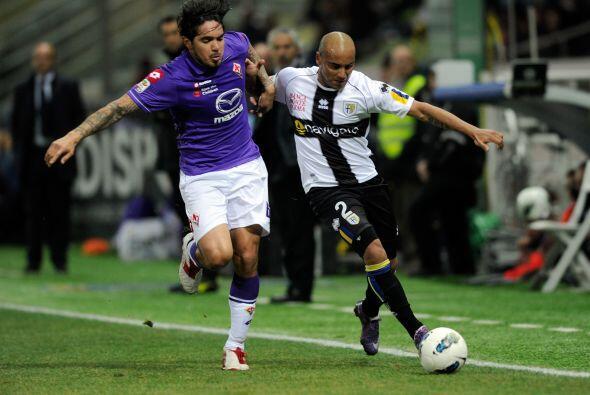 En el otro juego de entre-semana, Parma y Fiorentina también quedaron em...