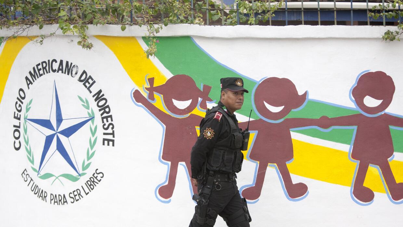 El gobierno mexicano ha pedido no difundir del tiroteo por respeto a las...