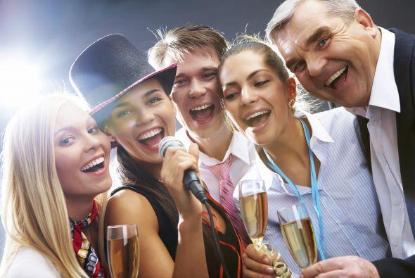 Si hay karaoke, ¡canta! El experto en etiqueta empresarial Robin Abraham...