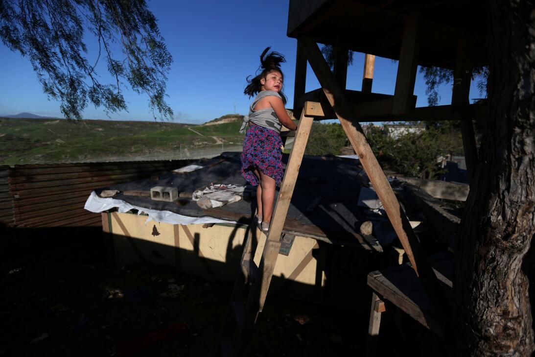 Las casas de la frontera: cómo es la vida al costado del muro entre EEUU...