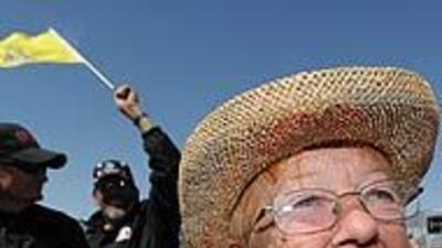 'Motines del Té' anuncian movilizaciones contra la reforma migratoria en...