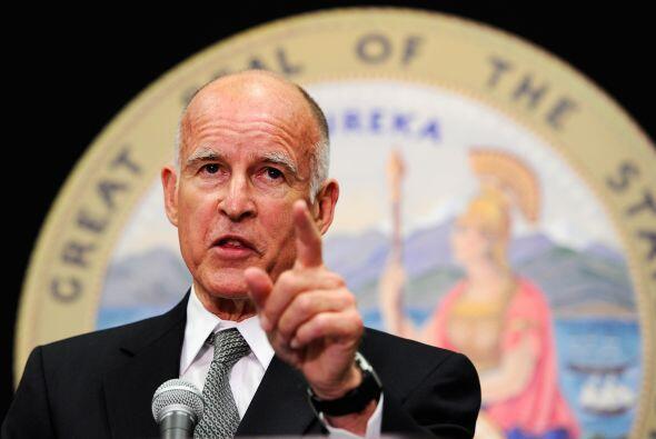 15 de septiembre del 2010: El fiscal general del estado Jerry Brown pres...