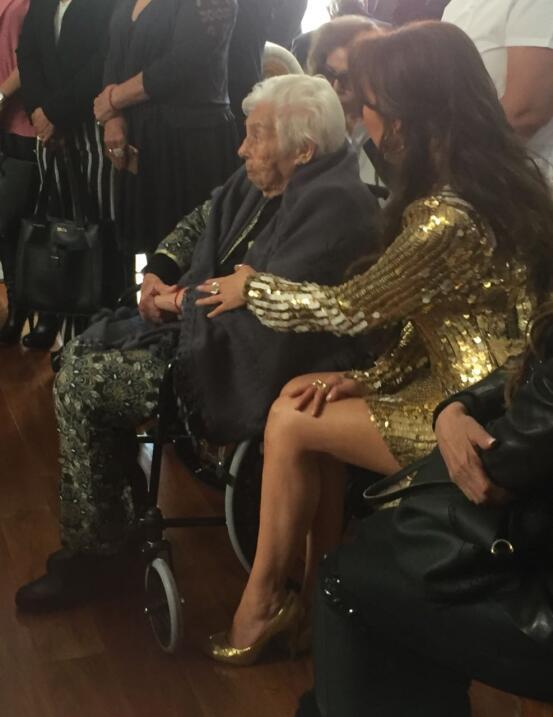 Eva Mange, abuelita Laura Zapata y Thalía