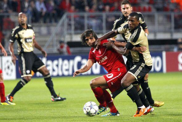 El Twente fue local ante el Benfica y fueron los holandeses quienes se p...