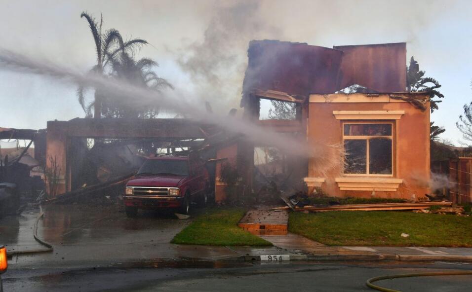 Incendio en Anaheim Hills