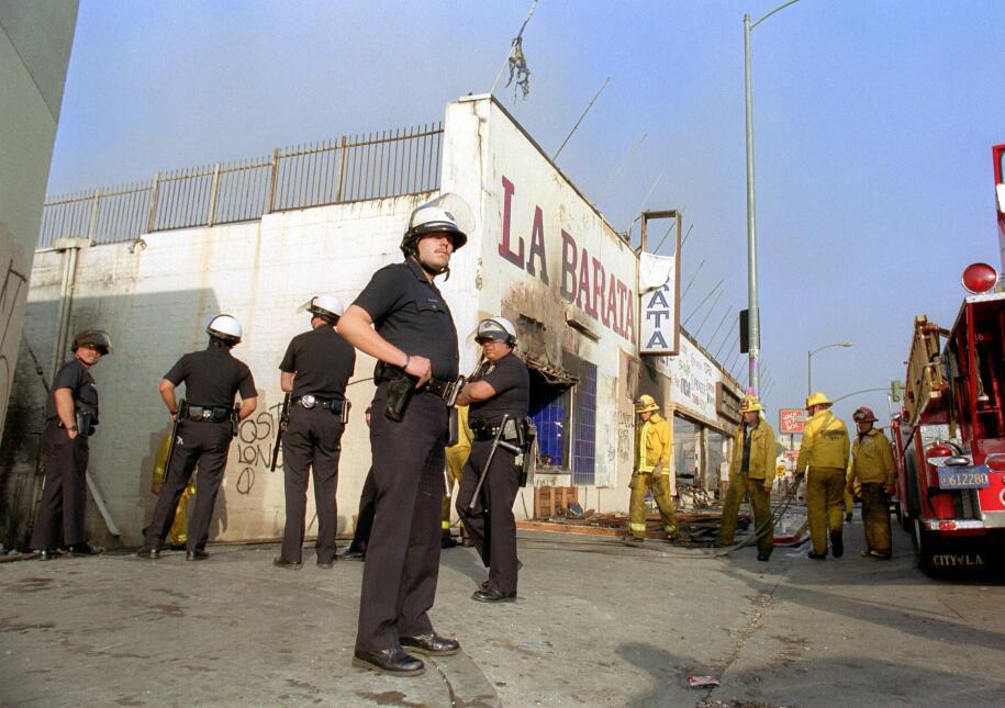 En 1992, la fuerza policiaca se vio rebasada por la escalada de violencia.
