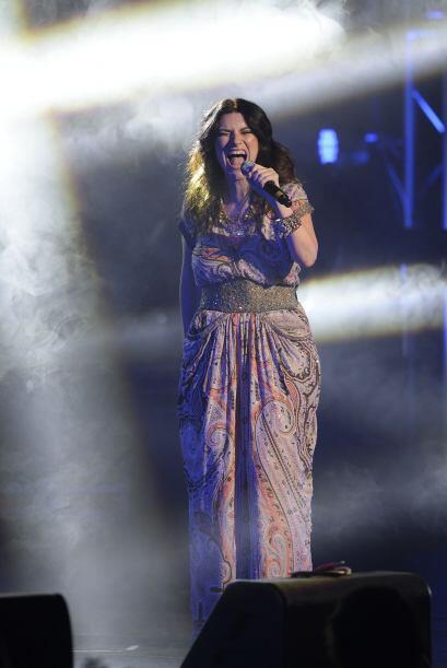 Por su parte, Laura Pausini apareció muy guapa.