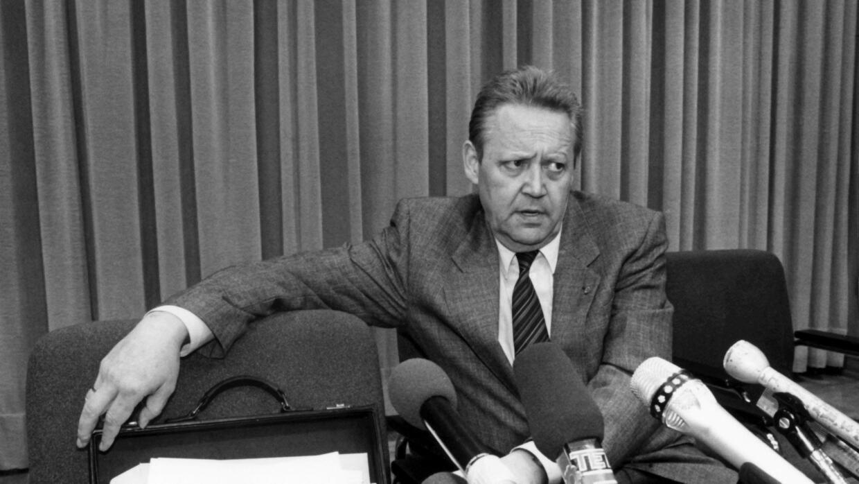 Günter Schabowski, en la histórica conferencia.