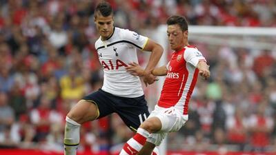 Lamela y Özil tuvieron buen duelo en el mediocampo londinense.