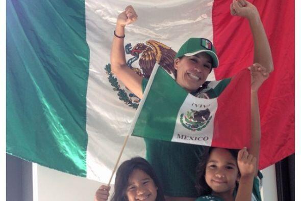 Karla Martínez, constante en expresar su apoyo a México. Todo sobre el M...