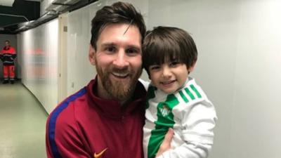 El Barcelona 'aplastó' al Betis de Guardado pero su hijo fue el g...