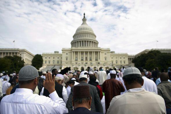 Los musulmanes, un quinto de la población mundial, creen en un solo Dios...