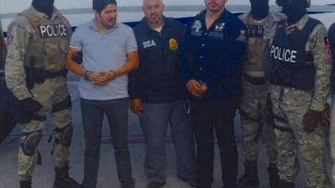 Los dos hombres fueron arrestados por agentes de la policía haitiana ple...