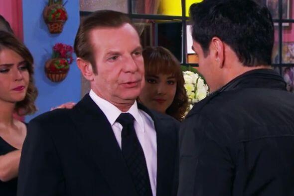 Hasta Fausto está sumamente dolido por la pérdida de don Javier Cruz.