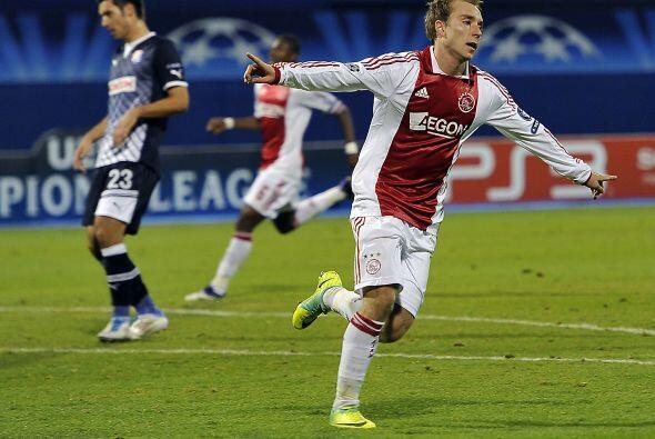 Ajax tumbó al Dinamo Zagrieb. Lo venció 2 a 0 con goles de Derk Boerrigt...