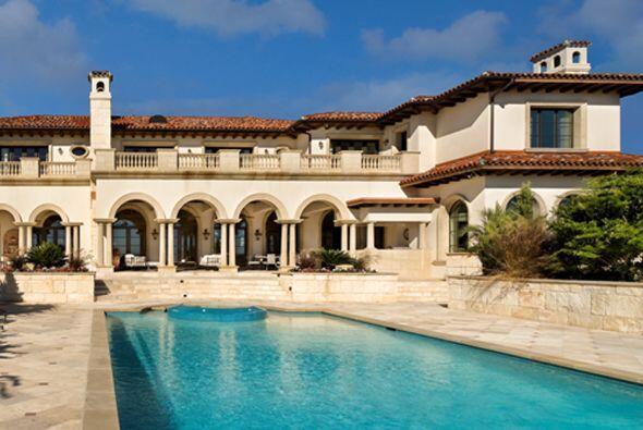 Estas mansiones diseñadas por el arquitecto mexicano Luis Jaureguipuede...