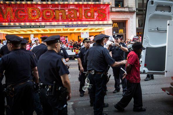 Los arrestos sucedidos en Nueva York no fueron los únicos en registrarse...