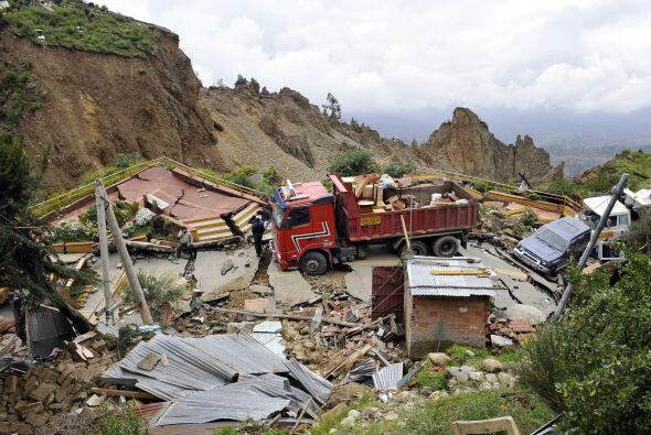 Se estima que 400 casas quedaron totalmente destrozadas.