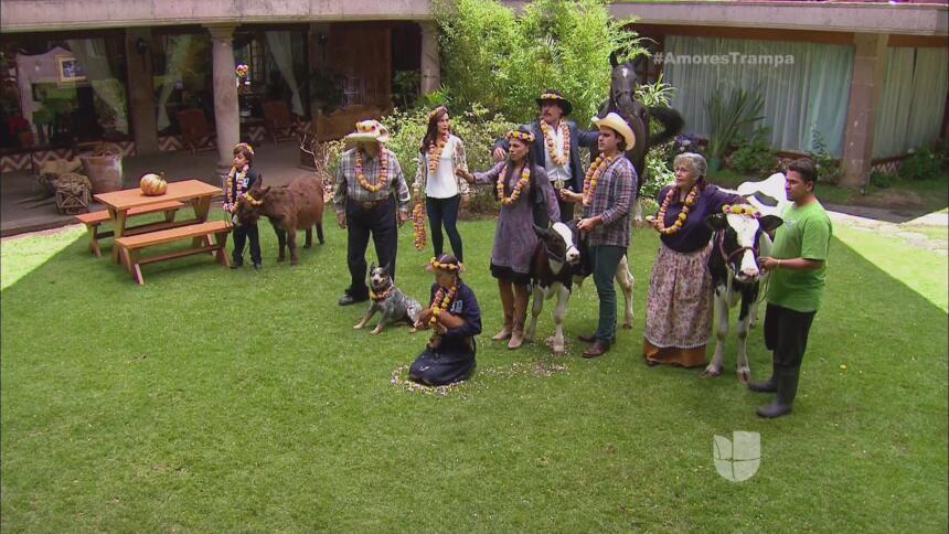 Todos los Carmona estaban reunidos para que no se llevaran a sus animales.
