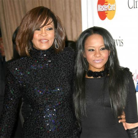 Bobbi Kristina Brown junto a su madre Whitney Houston