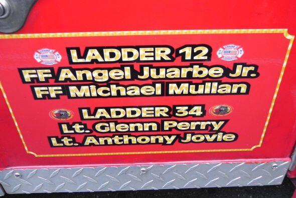 Carro bombero recuerda a sus caídos el 9/11 c5d382eff56c44f78e8ee369c453...