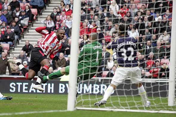 Sunderland dio la sorpresa al golear al Tottenham 3-1 con dos goles de B...