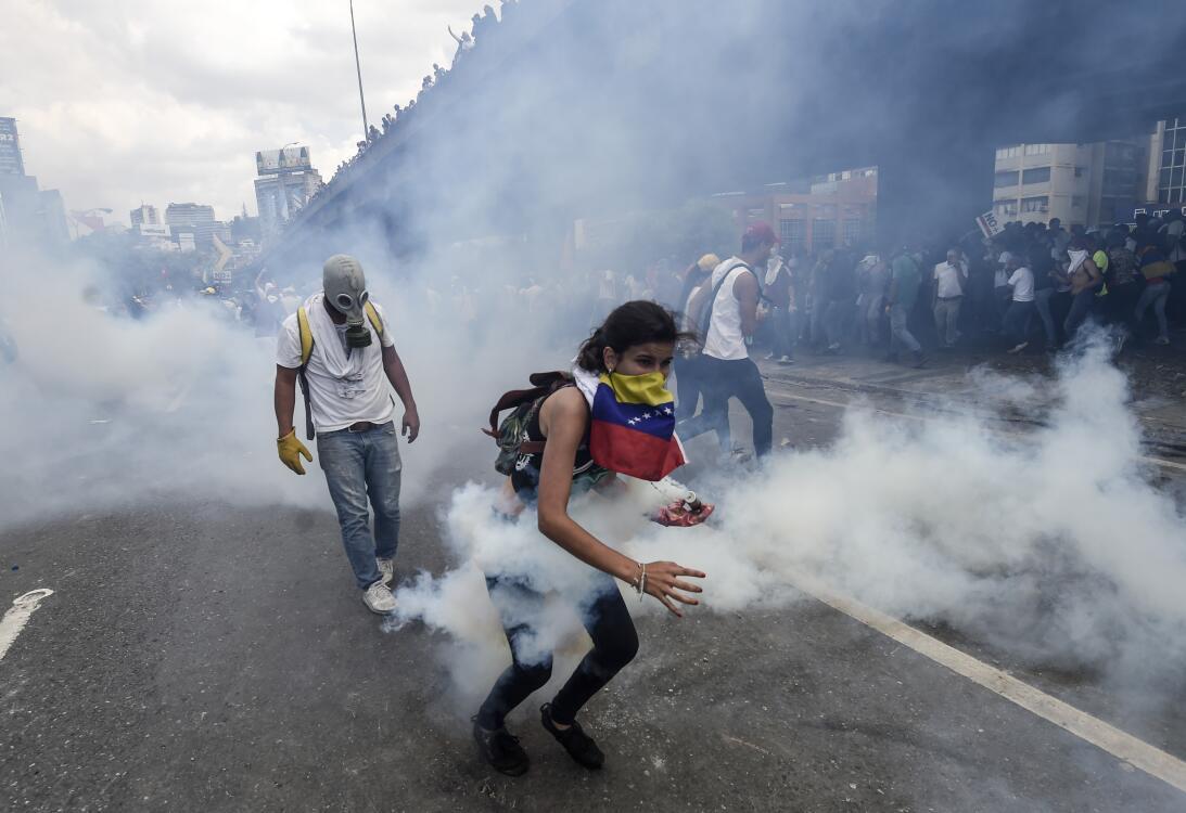 Mujeres Protestan en Venezuela