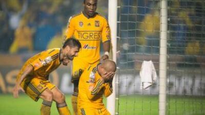 Tigres dio una gran exhibición contra el equipo boliviano.