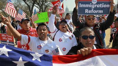 La reforma migratoria enfrenta a demócratas y republicanos tras elección del nuevo Congreso