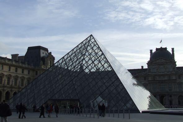 Y si de visitar lugares para presumir se trata, París tiene el museo de...