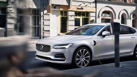Volvo S90 Twin Engine T8 2017 híbrido enchufable.